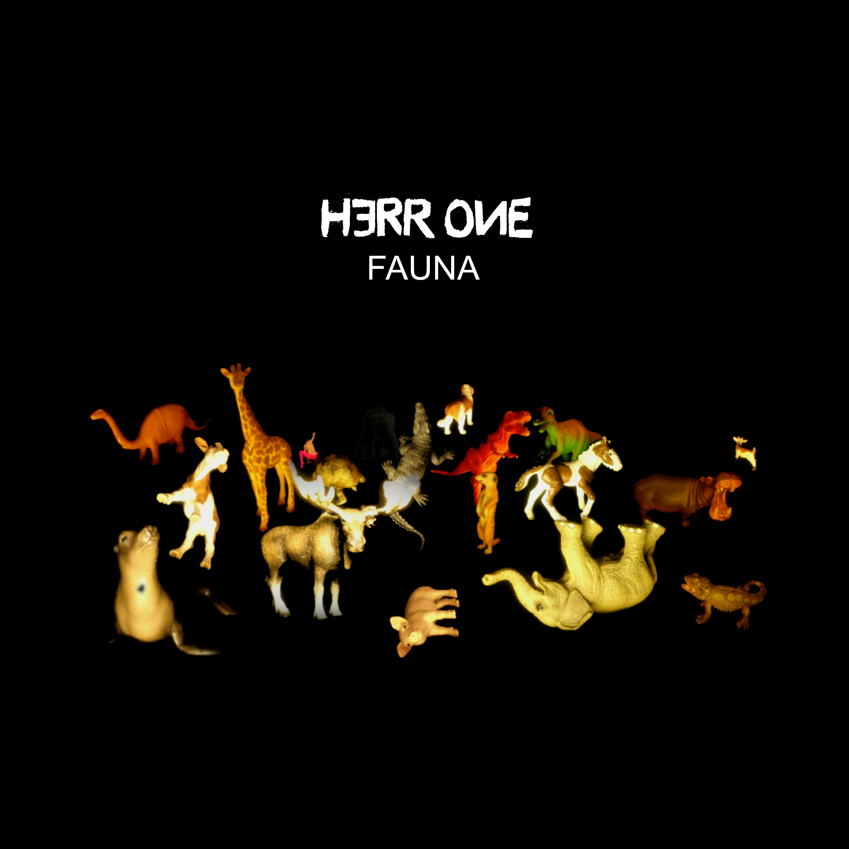 BAUM 015 :: HERR ONE :: FAUNA